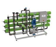 Die neuen Umkehrosmoseanlagen osmoliQ sind dank innovativer Umkehrosmose-Technik funktional und sicher und sorgen für optimal entsalztes Wasser, Bild: Grünbeck Wasseraufbereitung GmbH