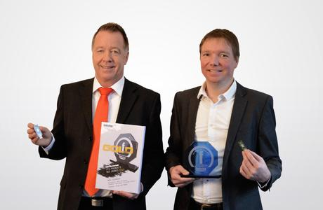 Michael Nickolai und ralf Schoula freuen sich über den erneuten Sieg des Blue-450 Smart