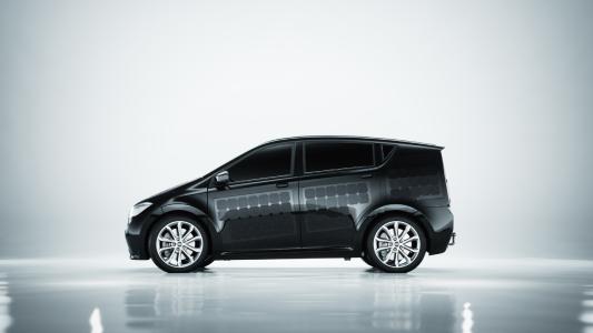 Der Sion lädt die Batterien für die Außenbeleuchtung über Solarzellen auf der Karosserie. Bildquelle: Sono Motors