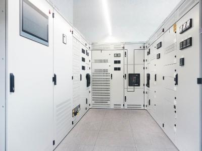 Ein eigenes Produkt schafft Unabhängigkeit gegenüber großen Kunden. VAMOCON schaffte es in kurzer Zeit unter die Topmarken der Schaltanlagen im Niederspannungsbereich. © SEDOTEC