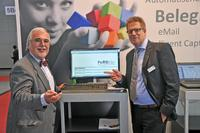 Dr. Friedrich Wilhelm Haug, Ministerialrat im Bundesministerium für Wirtschaft und Technologie, mit Markus Balzuweit, Geschäftsführer der CTO Balzuweit GmbH (v.l.n.r.). (c)CTO Balzuweit GmbH