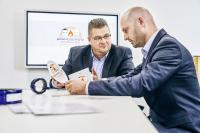 """Carsten Janiec (links) und Marc Kitter geben ihr Expertenwissen auf dem neuen YouTube-Kanal –""""Brandschutz im Dialog powered by DOYMA"""" weiter"""