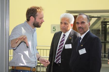 Pakistanische Wirtschaftsdelegation bei Schletter in Oberbayern