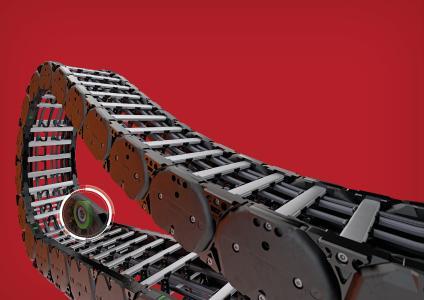 TSUBAKI KABELSCHLEPP präsentiert mit der TKHD90-R eine Heavy Duty Energieführung, bei der die Rollen bereits in die Kette integriert sind