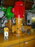 Messung vorher mit an Stör- und Empfängerseite angebrachten Sensoren: Die 300 kg schweren Schraubenpumpen verursachen einen Betriebslärm von 86 dB