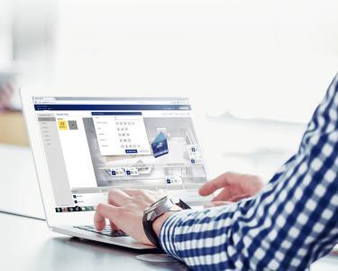 Mit GEZE Cockpit: Maximale Flexibilität und Sicherheit bei gleichzeitig voller Funktionalität auf PC oder Tablet.