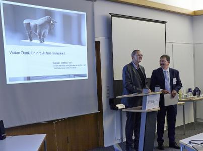 v.l.n.r.: Helmut Kohl, Verbandspräsident des Telekom e.V. und Referent Matthias Veith,  Deutsche Börse.