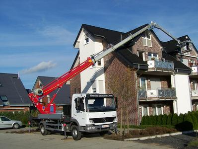 BÖCKER truck-mounted crane with platform