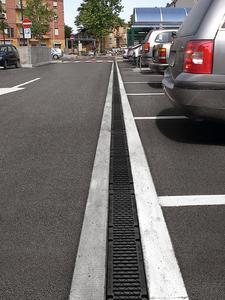Ein mit Recyfix ausgestatteter Parkplatz