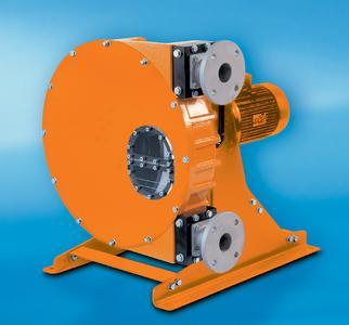 Die Schlauchpumpe DULCO®flex DFDa ist für den harten Industrieeinsatz für Fördermengen bis zu 17.500 l/h bei Gegen-drücken bis max. 15 bar geeignet