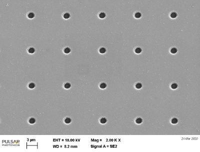 Lasermikrobohrungen mit 1.7µm Durchmesser