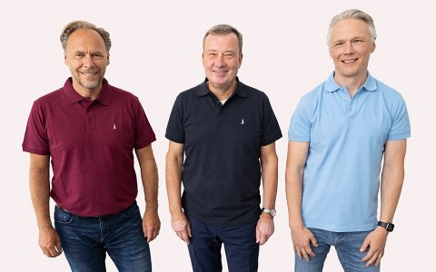 v.l.n.r: Andreas Lange (Vorstand Vertrieb), Thomas Rühl (Vorstandsvorsitzender), Jürgen Heidak (Vorstand Software und Beratung)
