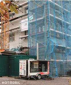 Während der Wintermonate sorgen die angemieteten Hotmobil Heizzentralen für einen unterbrechungsfreien Verlauf der Sanierungsmaßnahmen im Österreichischen Schlösschen in Radolfzell