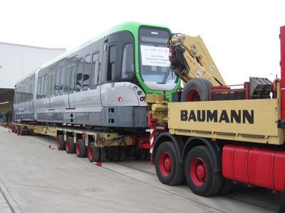 Üstra bestellt 50 weitere TW-3000-Stadtbahnen: Vossloh Kiepe und Alstom erhalten bei der Überführung der ersten neuen Stadtbahn eine Optionseinlösung über zusätzliche 50 Fahrzeuge aus Hannover