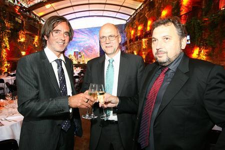 vlnr: Franz Bauer-Kieslinger, Franz Salomon und Albert Burgstaller Geschäftsführer und Eigentümer der Salomon Automation