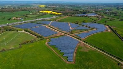 Hanwha Q CELLS schließt Finanzierung für Solarprojekt Tower Hill Farms mit 8,1 MW in UK ab