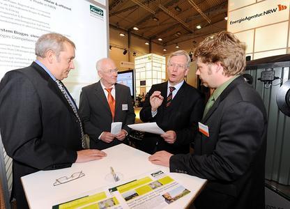 Minister Uhlenberg informiert sich über Biogastechnik made in NRW