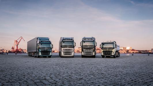 Volvo Trucks bringt vier neue Schwerlast-Lkw mit einem starken Fokus auf Fahrerumgebung, Sicherheit und Produktivität auf den Markt
