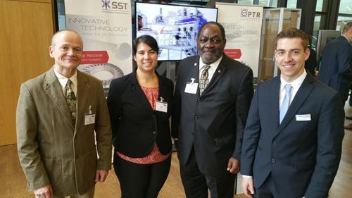 Unterstützen die IEBW 2017: (v.l.n.r.) Dr.-Ing. Wilfried Behr (Technischer Leiter der IEBW und Mitglied der Programmkommission), Dr. Amber Black (PTR Precision Technologies Inc. und Mitglied der AWS), Ernest Levert (Chairman of IIW Commission IV-B und ehemaliger Präsident der AWS), Marvin Keinert, M.Sc. (DVS-Verband). (Quelle: AWS)
