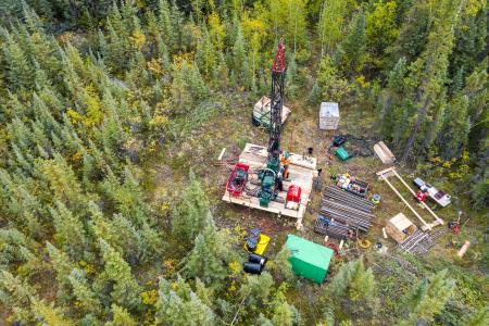 Bohrung auf dem Cabin Lake-Projekt; Foto: Rover Metals