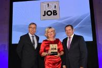 TOP JOB: (von links) Wolfgang Clement, Beatrice Hindel und Prof. Dr. Bernd Hindel