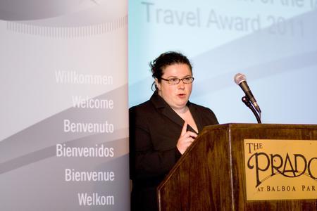 Dr. Janine Schweppe (Heraeus) forderte das Publikum auf, Nachwuchswissenschaftler zur Teilnahme am Travel Award 2012 zu ermutigen