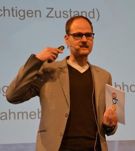 """""""Die Neuerungen in den Verkäuferstandards werden Mitte Februar 2016 online gehen"""", so Michael Möglich (Ebay Deutschland) auf dem Fachkongress """"mobile.de Weckruf!"""""""