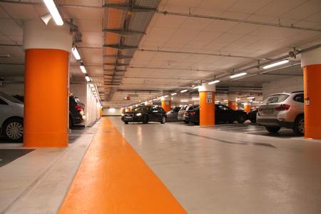 Bau und Betrieb von Tiefgaragen und Parkhäusern