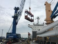 Cuxport handles crane parts weighing several tonnes for the NYK Bulk & Projects shipping company