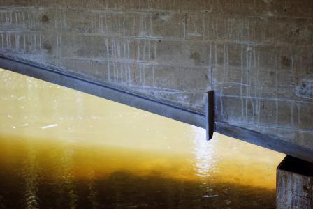Im eingebautem Zustand ist nur noch der Flansch des feuerverzinkten mit Verbunddübeln versehenen Walzträgers zu sehen / Foto: Gunnar Pöppe (Institut Feuerverzinken GmbH)
