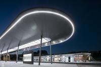 Günstig für die langfristigen Betriebskosten: Durch den Einsatz kleinerer Vorschaltgeräte lassen sich Wartung und Reparaturen an den LED-Bauteilen einfach und kostensparend bewerkstelligen / Foto: Lukas Pelech
