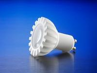 Der CeramCool® LED Spot GU10 aus Vollkeramik, hier mit einer Hochvolt 4Watt LED, eignet sich für jede LED. Einfache Schutzklasse II Isolierung. Designs werden gemeinsam mit Kunden entwickelt.