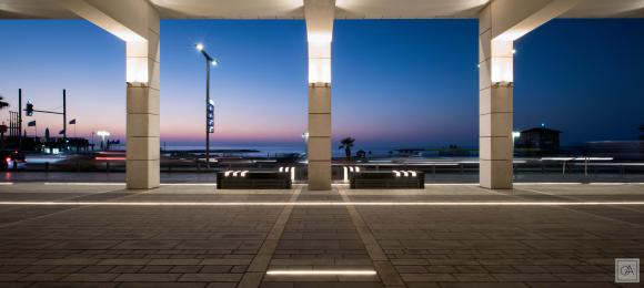"""Rama Mendelsohn arbeitete auch bei dem Projekt """"10 Herbert Samuel"""" in Tel Aviv mit LED Linear Produkten / Foto: Omri Amsalem"""
