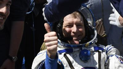 N° 25-2016: Tim Peake returns to Earth