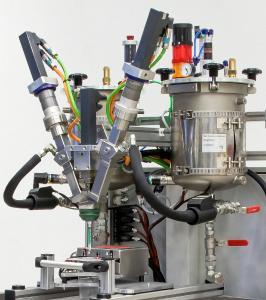 Ein intelligentes Präzisionssystem für die Kleinmengen-Verarbeitung von Mehrkomponenten-Kunststoffen ist der Dosiermischkopf LV 2/2 von TARTLER