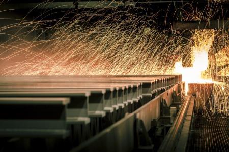 Stahlwerk Thüringen's product range at its Unterwellenborn facilities includes heavy and large sections / ©Stahlwerk Thüringen GmbH