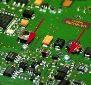 EJOT® Mikroschrauben in der Anwendung – Ideal zum Beispiel für die Platinenverschraubung.
