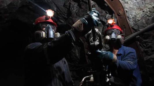 Silberproduktion stark rückläufig! Aber dieses Unternehmen landet Volltreffer! Weitere Minen in Planung!