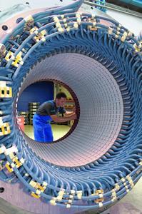 Kupferwerkstoffe im Anlagenbau – hier eine Statorwicklung eines großen Elektromotors  – gewährleisten höchste Qualität. © Siemens