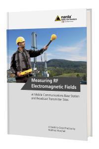 Il nuovo manuale di 239 pagine sull'uso dell'SRM-3006 fornisce le più importanti informazioni di base teoriche e pratiche per determinare correttamente e in qualsiasi momento le immissioni ad alta frequenza di diverse sorgenti di campo