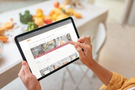 Coop Schweiz – Das Traditionsunternehmen ist bereits seit 2001 mit coop.ch auch online erfolgreich © Adobe Stock, rh2010