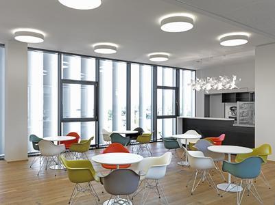 Cafeteria im BFFT-Headquarter in Gaimersheim