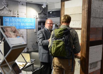 Reges Interesse am Messestand der MC-Bauchemie auf der Denkmal 2018 in Leipzig