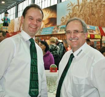 (v.l.): Die Geschäftsführer der Distelhäuser Brauerei Achim Kalweit und Roland Andre auf der Grünen Woche im letzten Jahr