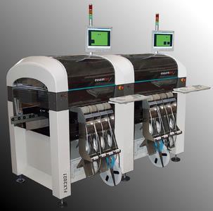 FLX2021 von Essemtec, einer der flexibelsten SMD-Bestückungsautomaten der Welt.