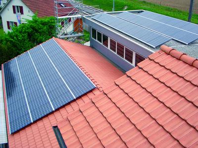 tag der sonne tritec weiht die solaranlage auf dem dach der firma walosa ag g mligen b bern. Black Bedroom Furniture Sets. Home Design Ideas
