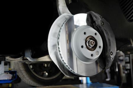 Die iDisc reduziert die Bremsstaubemissionen um bis zu 90 % und kann so einen wichtigen Beitrag zur Senkung der Feinstaubbelastung in der Luft leisten. Jetzt ist die Bosch-Tochter Buderus Guss mit der neuartigen Bremsscheibe mit dem Deutschen Innovationspreis ausgezeichnet worden / Foto: Buderus Guss