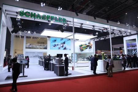 Auf der Auto Shanghai 2017 stellt Schaeffler serienreife und auf den chinesischen Markt zugeschnittene Produkte für den elektrifizierten Antriebsstrang vor