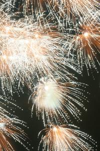 Genießen lässt sich das Silvesterfeuerwerk nur, wenn es mit Bedacht gezündet wird. Foto: Bothmer Pyrotechnik