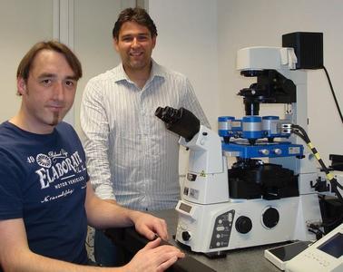 Josef Madl & Winfried Römer of the University of Freiburg with their JPK NanoWizard® system
